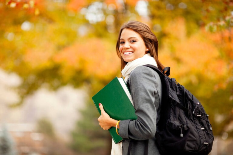 Pisanie pracy licencjackiej z socjologii może przynieść dużo satysfakcji